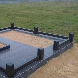 Ограда на кладбище из гранита.Новогрудок Карского1