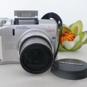 Цифровой фотоаппарат CAMEDIA C-750 Ultra Zoom /в идеальном состоянии