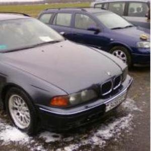 BMW 528,  1998 г.в.,  2, 8 л,  бензин