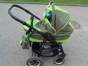 коляска зеленого цвета